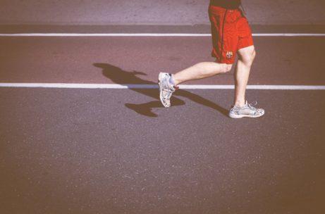 ako schudnúť zbrucha - beh, šprinty